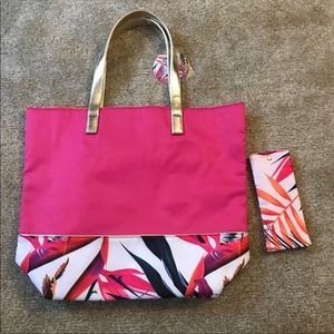 Handbags - NWT Tropical Getaway Tote and Sunglasses Case